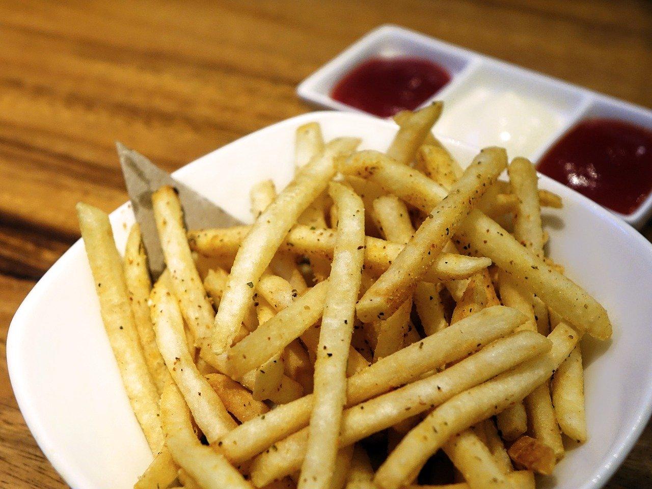 Est-ce que les restaurants rapides livrent les repas à domicile ?